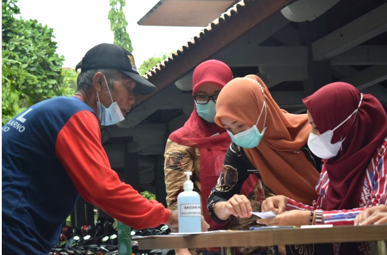 Bakti Sosial RSUD Ir. Soekarno Kabupaten Sukoharjo Warga Terdampak Pandemi